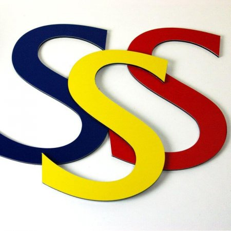 Flat cut coloured aluminium letters for signs